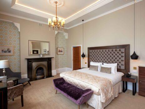 Lansbury Hotel Room