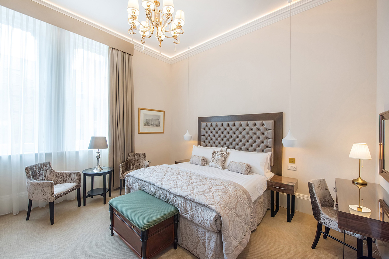 Lansbury Classic Room